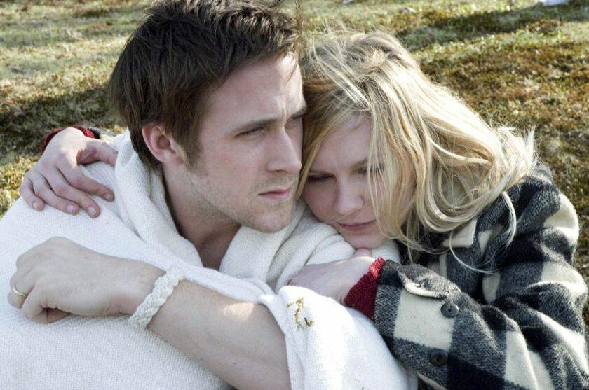"""Ryan Gosling i Kirsten Dunst w filmie """"Wszystko, co dobre"""""""