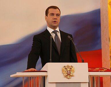 Miedwiediew chce zwolnić co piątego urzędnika