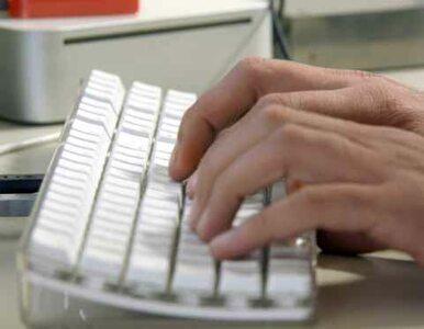 Hakerzy atakują: czescy internauci poznali numer telefonu premiera