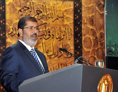Prezydent Egiptu tłumaczy rodakom: odwołuje generałów dla waszego dobra