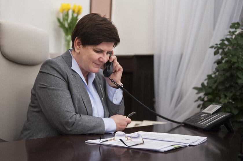 Beata Szydło w trakcie rozmowy z Theresą May