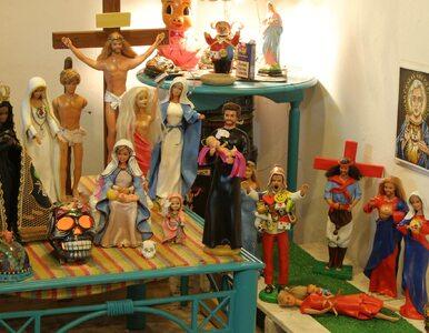 Takich lalek nie widziałeś. Ken jako Jezus na krzyżu, a Barbie...