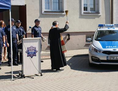 Minister Zieliński uroczyście przekazał... używany radiowóz. Był nawet...
