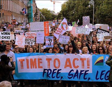 Irlandczycy za liberalizacją przepisów aborcyjnych. Jak może zmienić się...