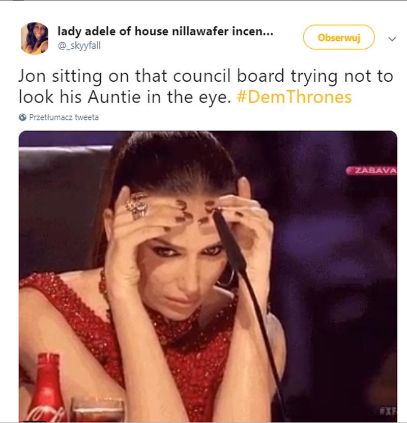 Jon na naradzie usiłujący nie patrzeć ciotce w oczy