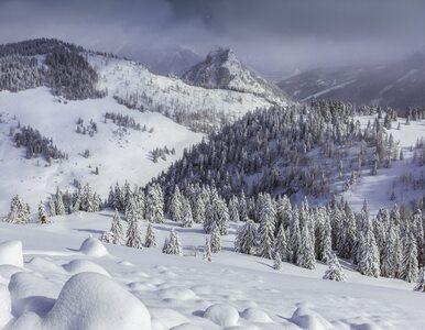 Słaba widoczność i gruba warstwa śniegu. Tak wygląda zima w Tatrach