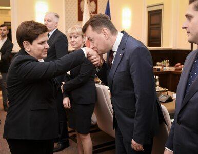 Beata Szydło hojną ręką rozdaje nagrody ministrom. Koszt: 130 tysięcy...