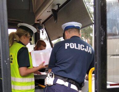 W warszawskich autobusach sporo osób nie ma maseczek. Ratusz poprosił o...