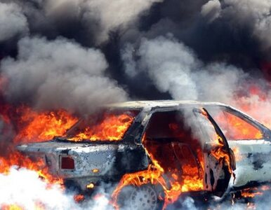 Kilkanaście podpaleń samochodów w Szwecji