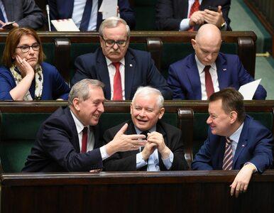 Nowy sondaż. PiS blisko 50 proc. poparcia, Nowoczesna poza Sejmem