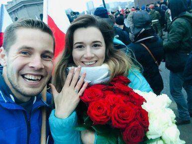 Oświadczyny na marszu w Warszawie. Premier pogratulował parze