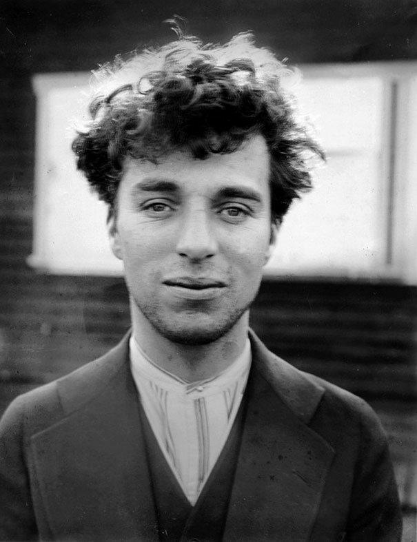 Charlie Chaplin w wieku 27 lat, 1916 (fot. boredpanda.com)
