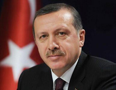 Premier Turcji rozpłakał się słuchając wiersza
