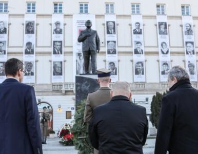 """Politycy komentują rocznicę katastrofy smoleńskiej. """"Płakaliśmy..."""