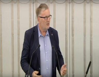 Senator PiS o protestujących: Stare upiory bolszewickie, ubeckie wdowy,...