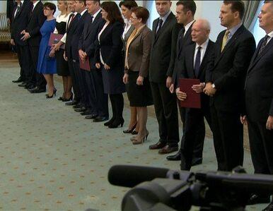 Komorowski odwołał ministrów Tuska. Oceniać będzie w 2014 roku