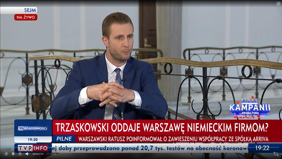 Pasek w TVP Info po kolejnym wypadku autobusu w Warszawie