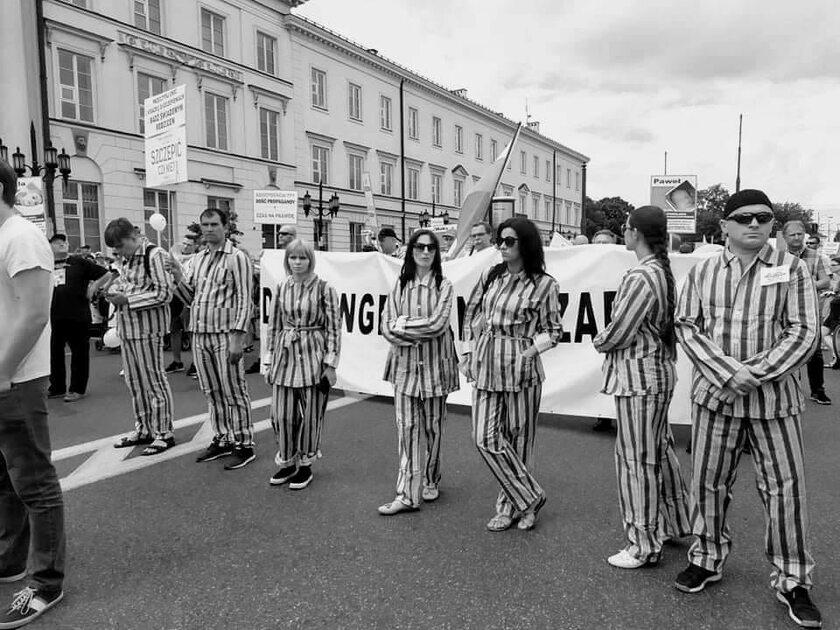 Protest przeciwko obowiązkowi szczepień w Warszawie
