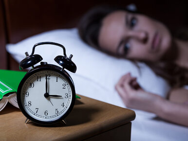 Przestań wiercić się w łóżku. Tak ułatwisz sobie zasypianie