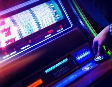 Cios policji w nielegalny hazard. Zabezpieczono ponad 200 automatów do gier