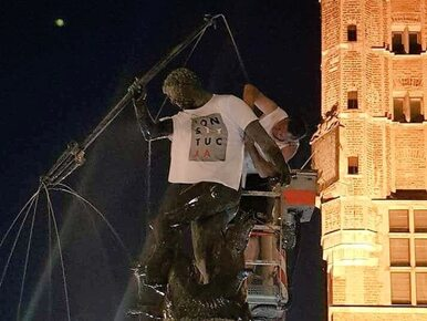 "Koszulka z napisem ""konstytucja"" znów na symbolu Gdańska"
