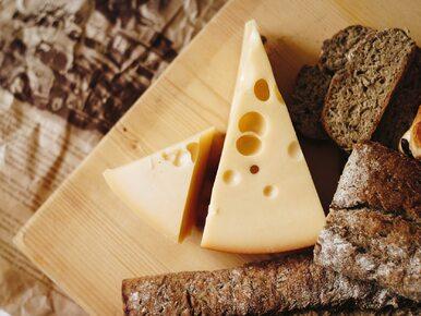 Ile kalorii ma żółty ser?