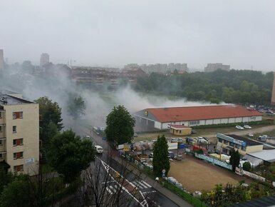 Pożar Lidla w Chorzowie. Na miejscu 12 zastępów straży