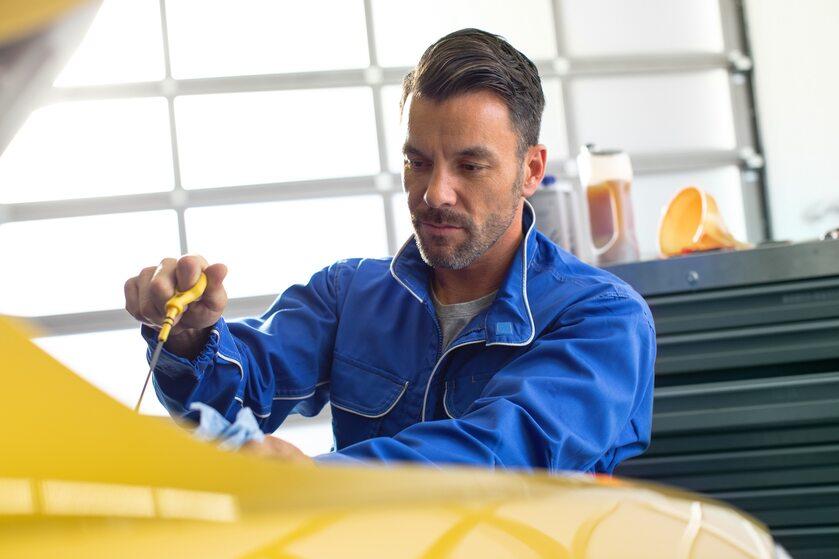 Sprawdzanie oleju